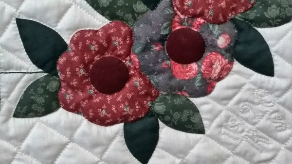 The Quilting Bee Decorating Your Home With Quilts Large Wall